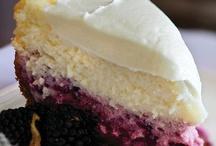 Desserts / by Mariheida Córdova Sánchez