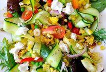 Salades / by Caroline Alix