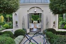 g a r d e n - o r n a m e n t / Statuary and ornamentation for the garden