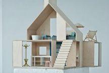 dollhouse / casinhas de boneca / Casinhas de bonecas modernas, contemporâneas, diferentes e também antigas para muita brincadeira.  {Modern, architectural, contemporary and vintage dollhouses.}