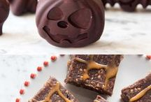 Deliciously Ella's Healthy Halloween / My favourite ideas and recipes for a healthier, plant based halloween from chocolate biscuits to stuffed pumpkins and everything in between....
