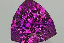 Beautiful Stones / An array of precious & semi precious stones and various cuts