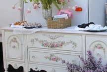 A Shabby Romantic Cottage  / by Jill Lindauer