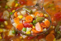yummmie food / by Amy Mattingly