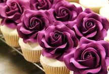 Pretty cakes & cookies / Patterns and ideas for cakes and cookies.