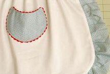Aprons / Schorten in alle maten, kleuren en afmetingen. Nieuwe, maar ook die uit oma's tijd. Meestal met patronen. Weer andere gewoon om naar te kijken of ter inspiratie.