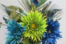 Floral Arrangements / by LexAnn Kienke