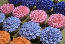 Decorated cakes/cupcakes / by LexAnn Kienke
