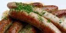 German Recipes and German Foods / Ever wondered what Germans love for food? Here you will find some of the best German recipes for you to try yourself at home! Guten Appetit!