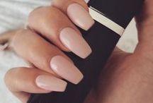 { Pretty Little Nails } / I love nail polish and I cannot lie.