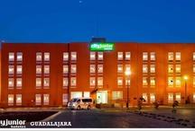 City Express Junior / City Express Junior satisface las necesidades económicas de sus clientes sin sacrificar los estándares de confort, seguridad y calidad que sólo un hotel de cadena puede ofrecer.