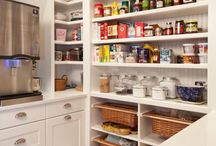 Pantry Party! / How awesome is a nice (big!) neat pantry?
