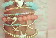 Jewelry I Love / by Lori Deraimo