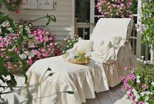 jardin / Garden, outside rooms, patio's and lovely screened porches. / by Carole Henares