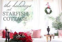 Coastal Christmas Decor Ideas / Great ideas for beach inspired Christmas decor!