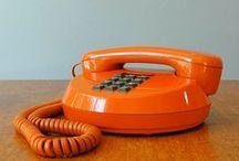 Orange aime le vintage / Remontez à l'âge du premier télégraphe : objets de téléphonie, télégraphie, publiphonie, commutation, transmission, radio, recherches, arts etc…