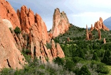 a travel guide - Colorado Springs / There is something about this Colorado mountain town that speaks to you: the azure blue skies, the crisp air, and the beautiful summer light. From the summit of American's Mountain—Pike's Peak—to the rushing rivers at the basin of the Royal Gorge, this is the place to explore the magnificent range of nature's wonders.