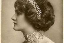 an era in fashion : 1900-1930 / Edwardian, flappers, the jazz age, the Harlem Renaissance and a golden age in Hollywood film