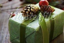 Christmas in Red & Green / by Julie L. Light 💕FabulousFindsStudio