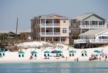 Destin Beach Homes / Nothing beats a beach home. Multiple bedrooms, all with their own flat-screen TVs and private space, make everyone feel comfortable, bringing families together to relax and enjoy the shore. Beachfront homes offer amazing beach views from virtually every floor  and the warm feeling you get is more than just the sun, it comes from being with the ones you love…