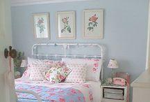 Little Guestroom / by Kelly Woods