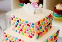 gateau / cake decorating / by Christine Armour