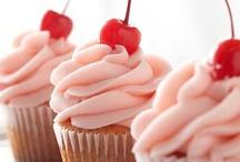 Cupcakes / by Christine Armour