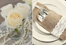 Labola Loves Lace / Lace in linen, chair backs, tablecloths and table stationery