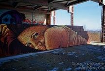 World Street Art & Graffiti / A collection of street art, outdoor exhibits and graffiti from around the world.