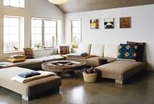 The Interiors: Living / by Julie Heisey