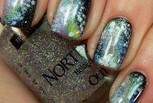 Nailed it / I finally can grow long nails so I am interested in nail art