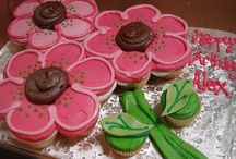 My dream to bake cakes, cupcakes, cookies... / by Jaynie Lopez
