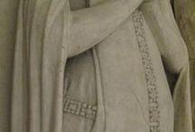 Romanesque / costumes