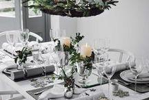 Weihnachten Tischdekoration / So dekorierst du deine Weihnachtstafel. Die schönsten Tischdekorationsideen für das Weihnachtsfest. Mit gold, rot, blau, silber und viel Glitzer oder ganz schlicht in weiß, grau und edlem schwarz.