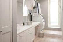 Hauswirtschaftsraum Einrichtungsideen / Hauswirtschaftsraum, Mudroom, Laundry Room - viele Namen für ein organisiertes Wäsche machen, Bügeln, verstauen und putzen.