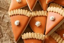 Thanksgiving Ideas / Thanksgiving ideas, recipes, decorations and crafts for your holiday celebration!