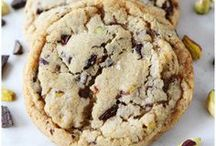Cookie Time! / The only thing better than a cookie jar is what goes inside! / by Corianne Wilson