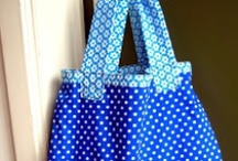 zakjes, zakken DIY / Bags, purses, boxes ... / by Inge Van Craenem