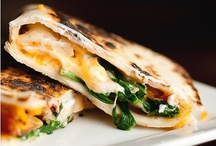Eat with your hands / Sammie's, tacos,,pizzas....you get the idea / by Teresa Solwold
