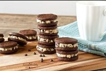 Paleo Dessert Recipes / Delicious and delectable Paleo dessert recipes that are grain-free, dairy-free, and legume-free.
