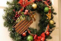 Wreaths / by Patty Albertson