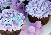 cakes / by Jen Congdon
