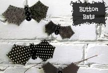 Halloween Crafts / Crafts to make for Halloween that use buttons.