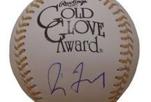 Chicago Cubs Autographed Baseball Collectibles / Welcome to my selection of autographed Chicago Cubs baseballs and more. We at Southwestconnection-Memorabilia offer a wide variety of autographed MLB collectibles including Baseballs, Bats, Batting Helmets, Bases, Pitching Rubbers and more!! Please check out my website: www.AutographedwithProof.com  for additional autographed memorabilia, including MLB, NFL, NHL, NBA and more! All items include photographic proof of our encounter with the athlete to insure authenticity!