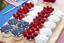 Fourth of July / Fun treats, decorations and party ideas for 4th of July get-togethers / by MyFriendCait