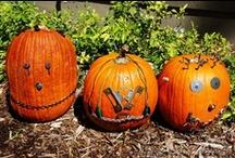 Halloween Ideas for Kids / Halloween Theme books, activities and FREE printables for preschool, kindergarten, parents, teachers and homeschool. / by Jeannine Aristeguieta