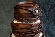 Pretty Lookin Tasty Cakes / by Stacy Kirtley