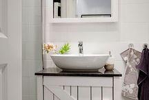 Bathrooms / by Jane Mooney