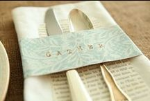 Napkin Bling / Napkin rings come in all shapes and colors, but the best ones are the handmade ones. Here are some ideas for a napkin bling DIY afternoon with family