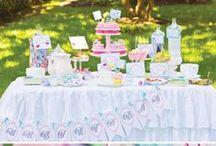 Buffet Tables / by Rochelle Hutchinson